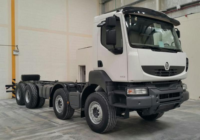 27550 - 2014 Renault Kerax 440.42 8X4 HD LE Cab and Chassis UAE