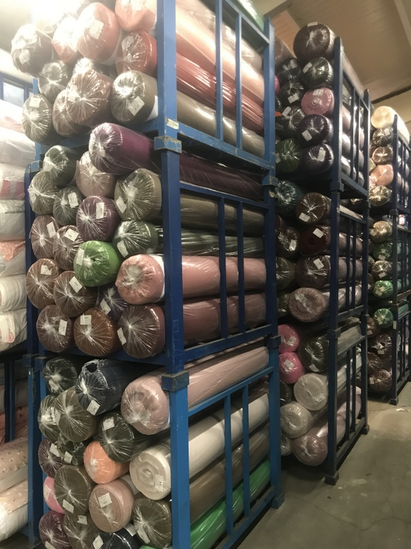 34122 - New stock offer: 8.000 kg wool-look mohair fabrics Europe